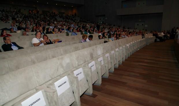 Semfyc escenifica su declive con un Congreso 'de sillas vacías'