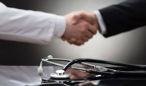 Si buscas trabajo en sanidad, mejor que hayas nacido en los 80