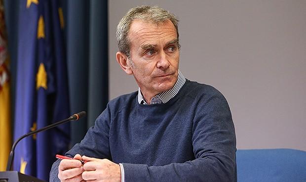 Simón, citado en la Comisión que estudia la vacunación irregular en Murcia