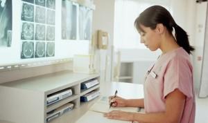 Solo una de cada 4 enfermeras asumiría roles de liderazgo en el hospital