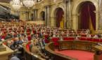 Toda la oposición menos la CUP condena los carteles que 'abofetean' a Comín