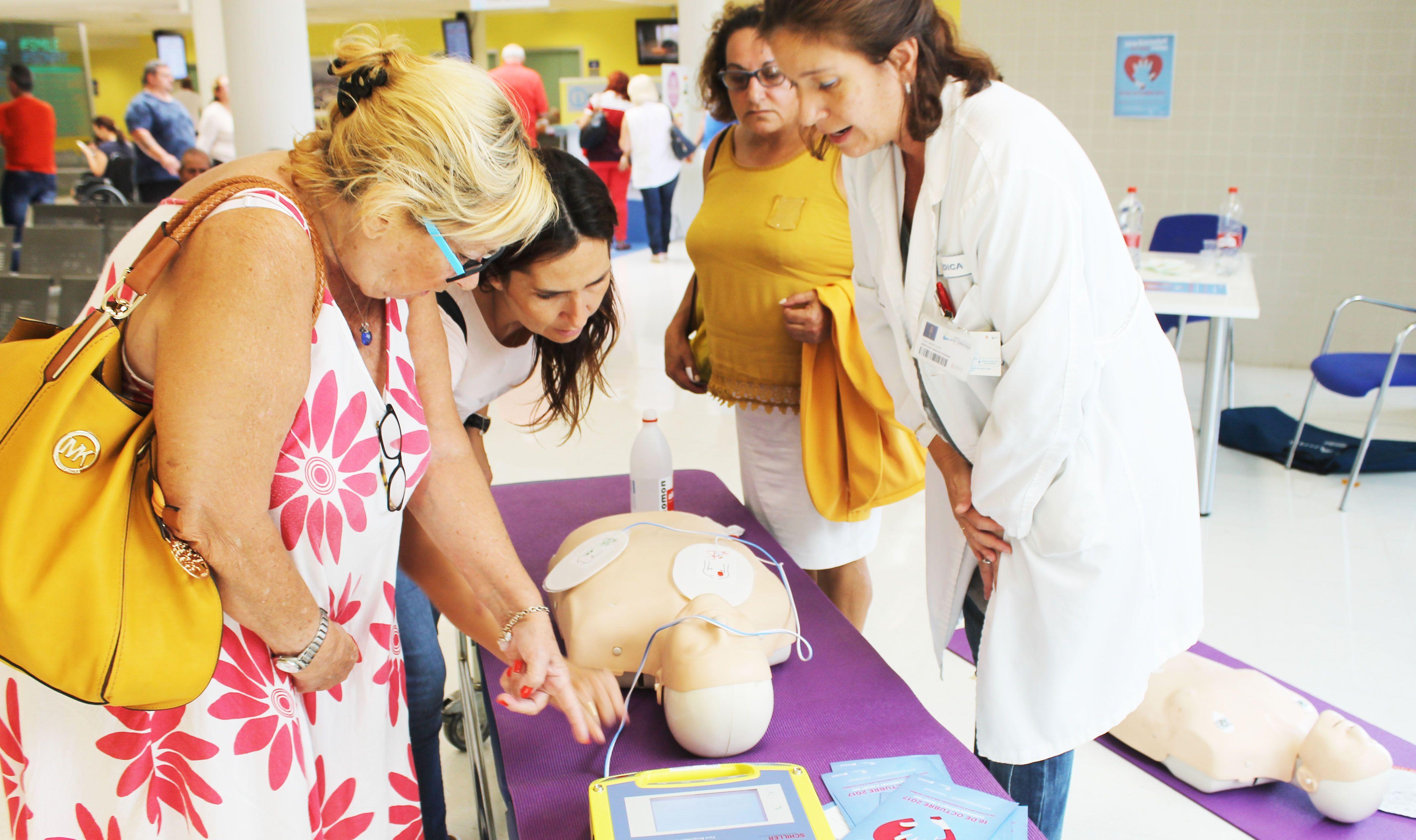 Torrevieja Salud entrena a médicos en reanimación cardiaca