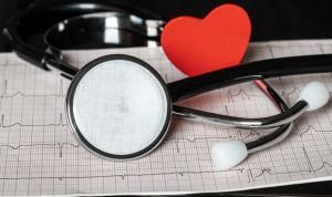 Tratar la falta de hierro reduce reingresos en insuficiencia cardíaca aguda