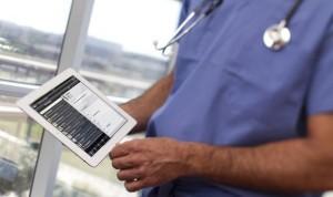 Tres claves que suponen un despido al quejarte de tu hospital en las redes