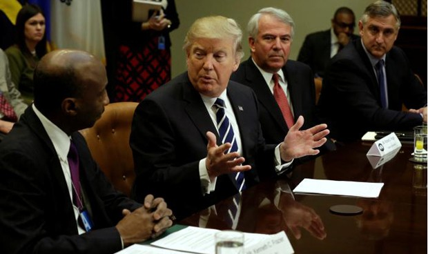 """Trump, a las farmacéuticas: """"No tenéis elección, hay que bajar precios"""""""