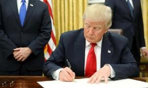 Trump cambia el Obamacare por créditos fiscales para comprar seguros