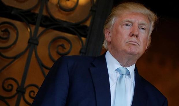 """Trump tilda de """"complicado"""" fulminar el Obamacare y planea aplazarlo a 2018"""