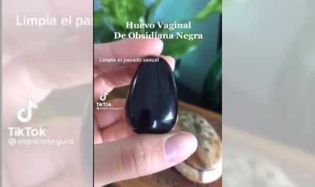 """Lo último en pseudoterapias: un huevo vaginal que """"limpia el pasado sexual"""""""
