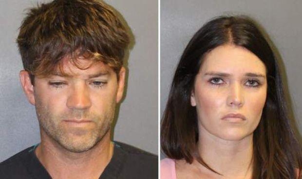 """Un cirujano y su novia, acusados de drogar y violar a """"cientos"""" de víctimas"""