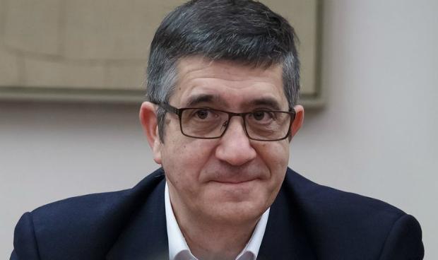 Un congresista sanitario para liderar el PSOE