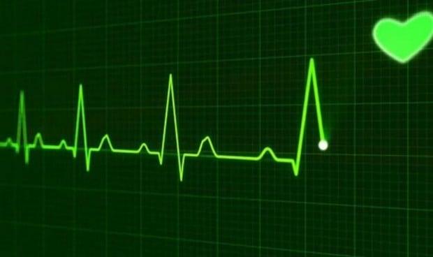 Un electrocardiograma predice la muerte en ingresados por Covid y gripe