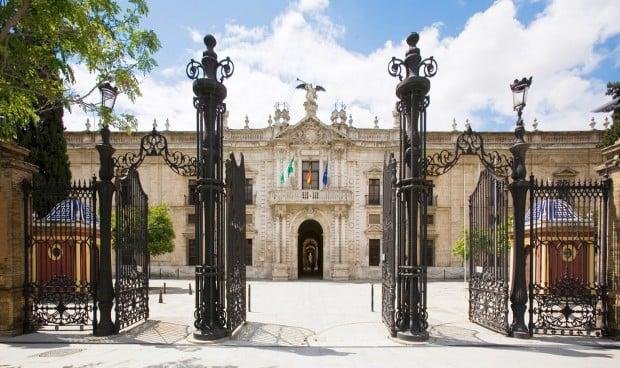 Un estudiante accede a Medicina en la Universidad de Sevilla con un 14