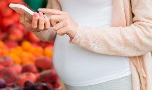 Un estudio asocia el uso del móvil en el embarazo con el TDAH infantil