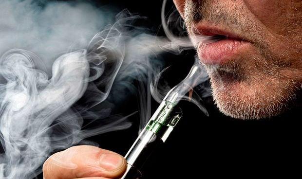 Un estudio (hecho por tabacaleras) asegura que vapear no mancha los dientes