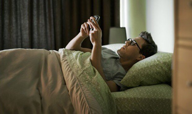 Un estudio remarca que el teléfono móvil causa pérdida de sueño y ansiedad