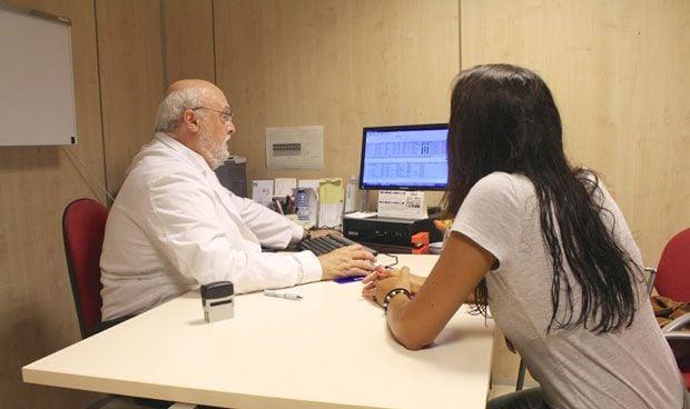Un estudio revela que ser atendido por el mismo médico alarga la vida