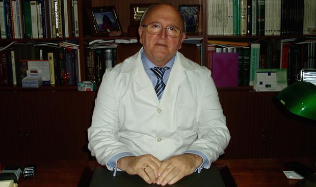 Un firme candidato para situarse al frente de los médicos de Huelva