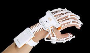 Un guante inteligente rehabilita al paciente con ictus a distancia