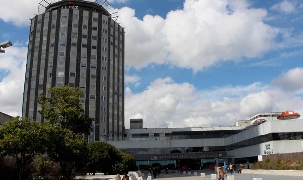 Un hombre se arroja con su hija por la ventana del Hospital La Paz