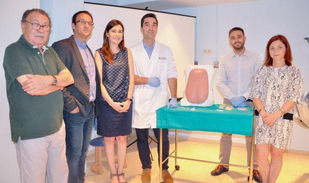 Un implante evita la aparición de cefaleas tras recibir la epidural