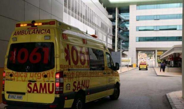 Un joven drogado le rompe una costilla a un técnico sanitario del 061