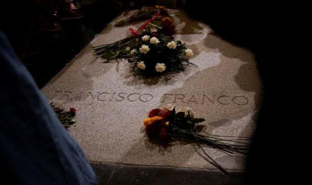 Un médico mediático, encargado de identificar los restos óseos de Franco