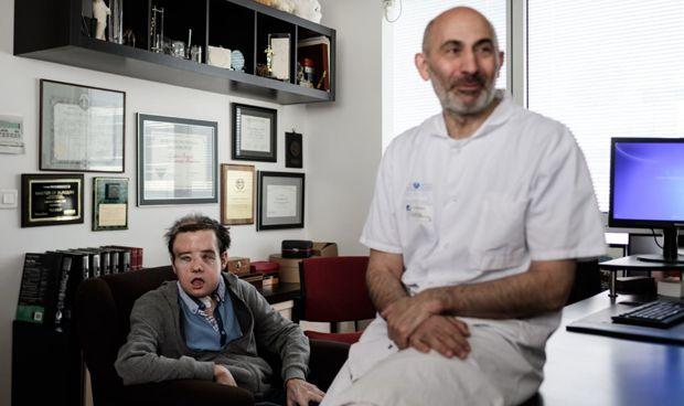 Un paciente francés supera por primera vez con éxito 2 trasplantes de cara