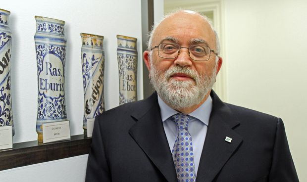 Un veterano de la Farmacia española inicia su retiro