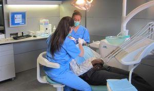 Una clínica devolverá a la viuda de un cliente el coste de una ortodoncia