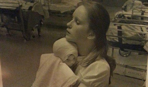 Una foto consigue el reencuentro con la enfermera que la cuidó hace 38 años