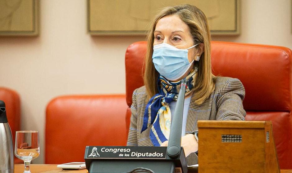 Una médica y diputada, en busca de un enfermero para el Congreso