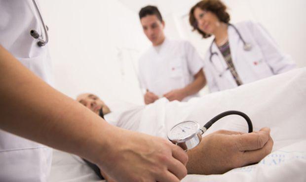 Una mujer se hizo pasar por enfermera durante 20 años en un hospital