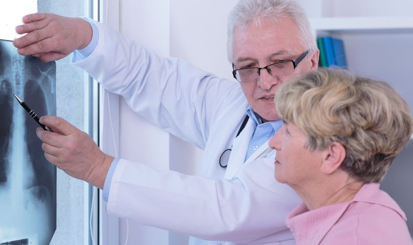 Una terapia combinada mejora la supervivencia en cáncer de pulmón avanzado