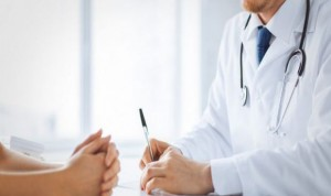 Uno de cada 10 médicos que detecta violencia machista o abusos no denuncia