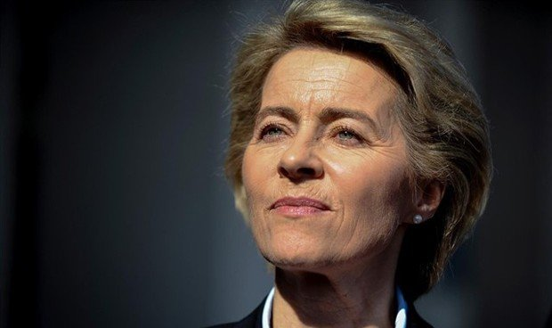 Esta médica es la primera mujer en presidir la Comisión Europea