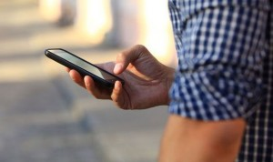 Usar cinco horas el smartphone dispara un 43% el riesgo de obesidad