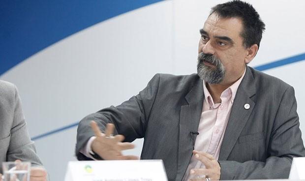 """España """"no debería tardar"""" en cambiar la estrategia de vacunación de AZ"""