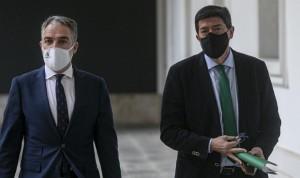 Vacuna Covid: Andalucía propone priorizar en docentes, camareros y taxistas