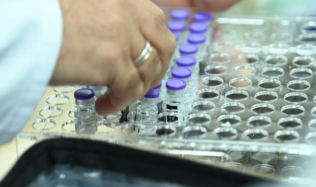Vacunación Covid: 70.653 dosis en un día, cerca de las 3.000 a la hora