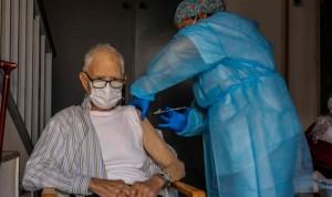 Vacunación Covid: menos anticuerpos tras la primera dosis a mayores de 80