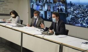 """El PP acusa al """"candidato"""" Illa de dar a Cataluña más vacunas que a Madrid"""