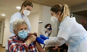 Vacunas Covid: Sanidad no descarta 100% priorizar su uso en primeras dosis