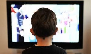 Ver la televisión es el hábito más ligado con la obesidad infantil