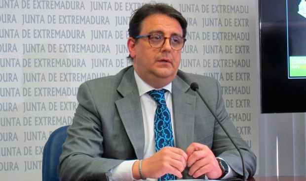 """Vergeles: """"El gasto sanitario no lo generan quienes llegan en patera"""""""