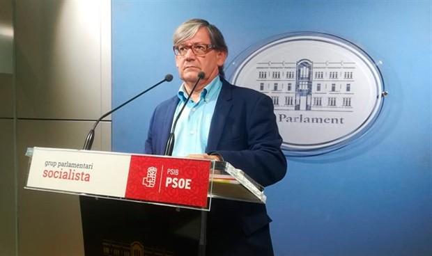 Vicenç Thomàs, el único médico del Parlament balear, nombrado su presidente