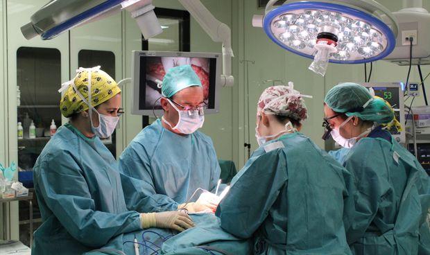 Villalba se consolida como referente nacional en microcirugía plástica
