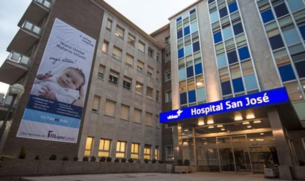 Caos por la gripe: Vithas San José hacina a pacientes de Osakidetza