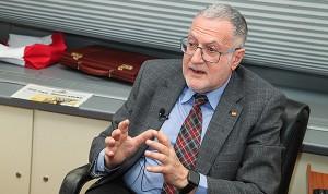 Vox lleva al Congreso la cotización de las guardias médicas