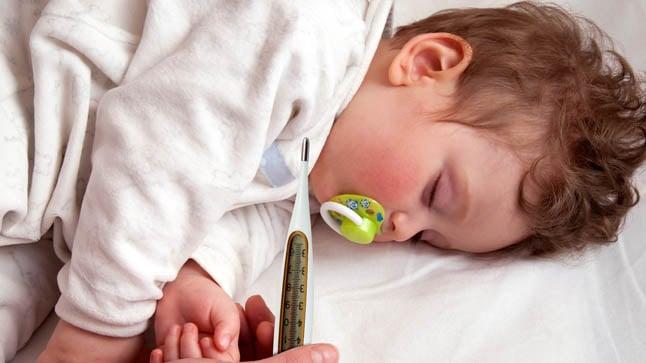 Causas, tipos y síntomas de convulsiones febriles