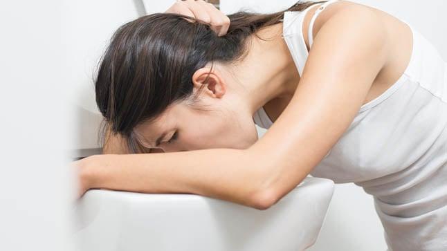 ¿Cuáles son los factores de riesgo de la hipéremesis gravídica?